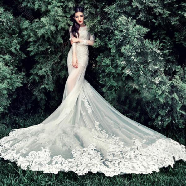 新款白色唯美长拖尾婚纱
