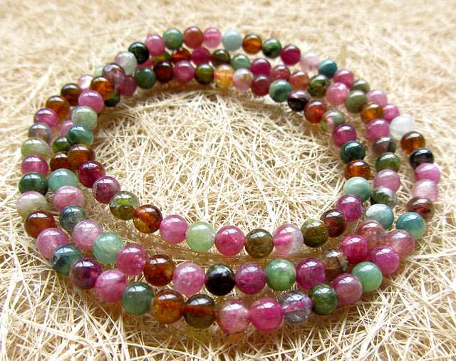 The colorful candy color * * a AAA a transparent shiny 4.5mm tourmaline three ring bracelet