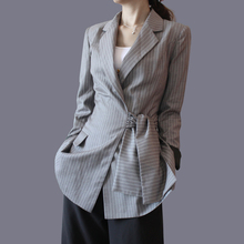 Small striped Blazer female 2017 spring new Korean all-match slim slim casual short small suit tide