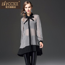 212CCXII2017 autumn long sleeved women all-match bow tie loose long black and white plaid shirt woman
