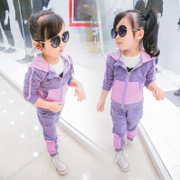 Spring wear suit for girls 2017 new female baby movement of two 1-3-5 year old sweater suit