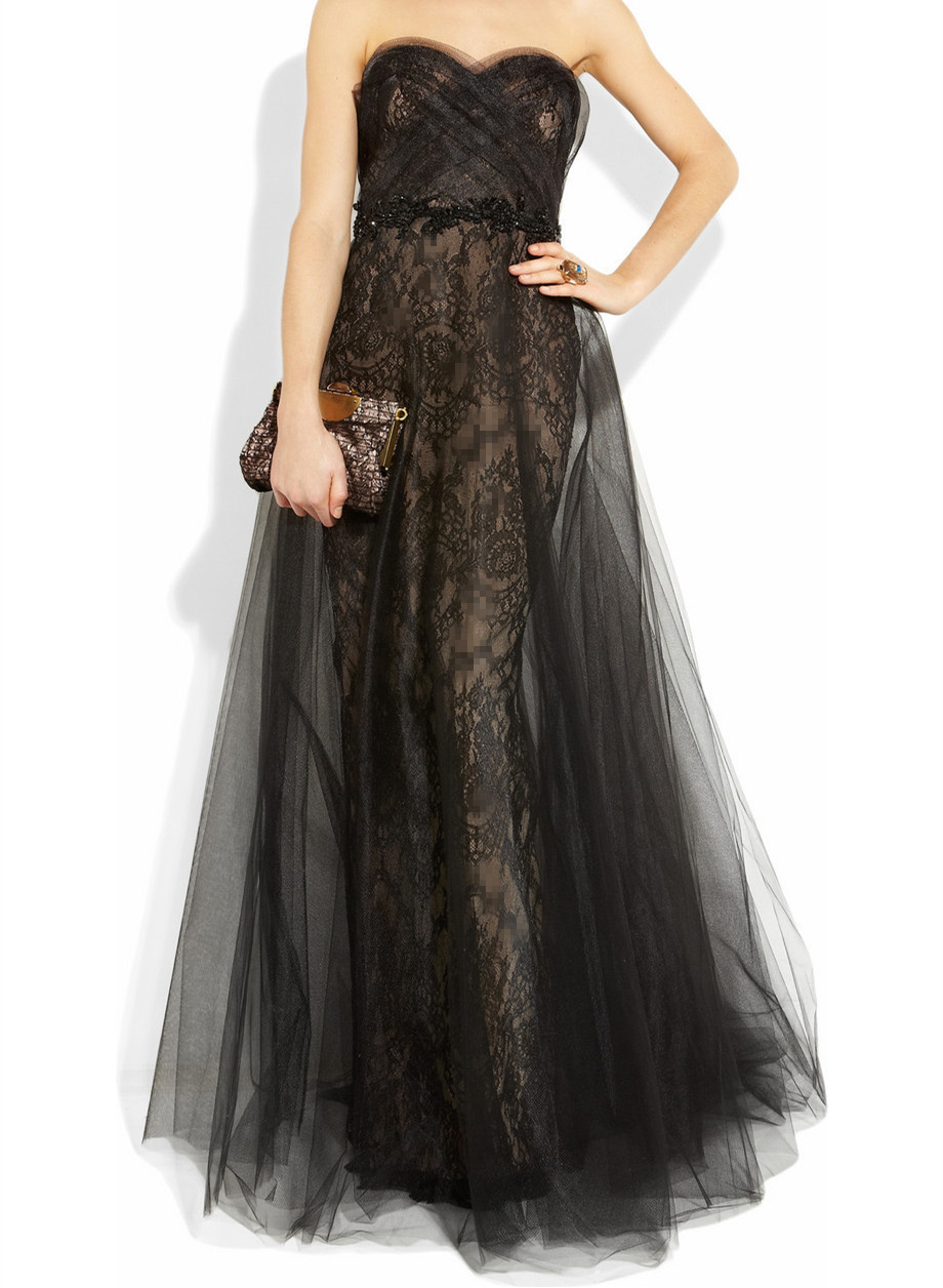 The new spring and summer 2017 evening dress black lace strapless birthday dress in line with the host dinner dress long