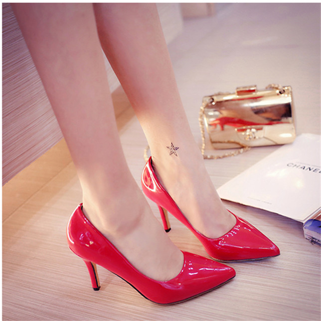 New qiu han edition shoes pointed low help shoes black OL vocational women's shoes lighter red wedding shoes big yards