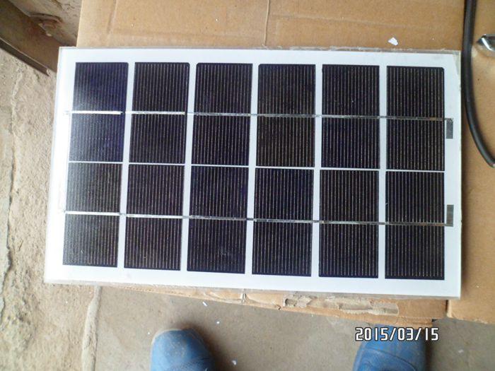 特价5W7W10W 15W 20W 30W/6V9V 18V太阳能板光伏板充电板