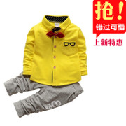 Special offer 2017 new sets of children's baby boy spring shirt two piece 0123 years old baby clothes.