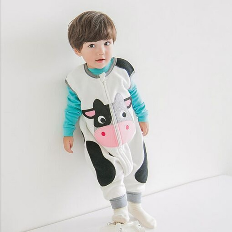 Korea new baby one-piece Pajamas fleece for boys in autumn and winter climbing clothing coat Korean cartoon sleeping bags