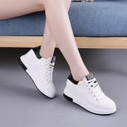 The increase in white shoes 2017 new thick bottom velvet all-match muffin bottom shoes autumn tide Korean Students
