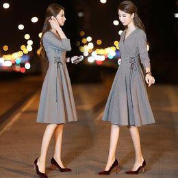 2018新款女春装V领韩版气质收腰显瘦中裙 千鸟格七分袖修身连衣裙