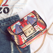 Liu Wen with the paragraph hit the color printing bag female 2017 new wave of small and small chain of European and American fashion bag shoulder bag