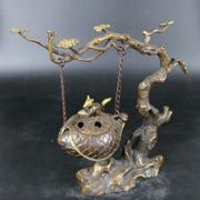 New home shelf antique bronze decoration collectible Huang Tongliu squirrels hanging incense gold ornaments