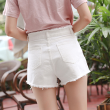 White denim shorts female summer 2017 new black waisted wide leg loose burrs Korean student a word pants