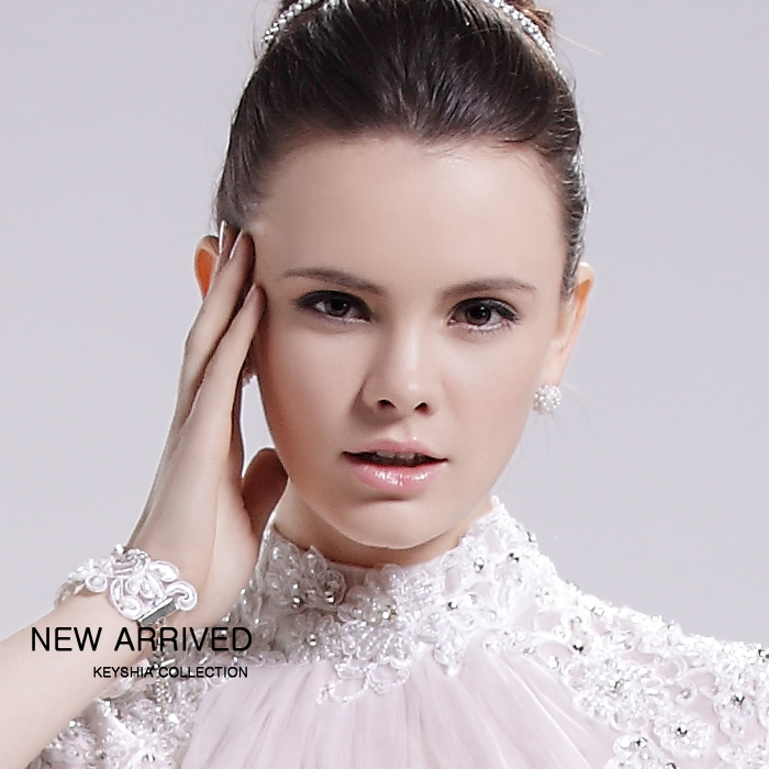 A wedding dress factory direct fashion lace beading collar A tail shot put