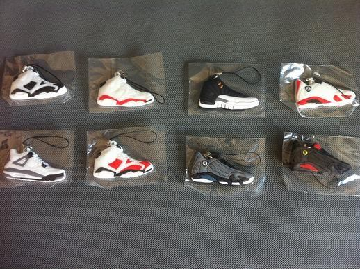 Photodynamic AJ6 basketball shoes JORDAN 6/12 JORDAN 6/12 generation mobile phone chain key chain Both men and women