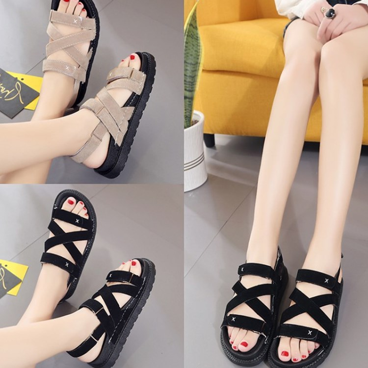 The new 2017 joker flat sandals female summer in South Korea XueShengChao contracted with han edition thick bottom Velcro peep-toe