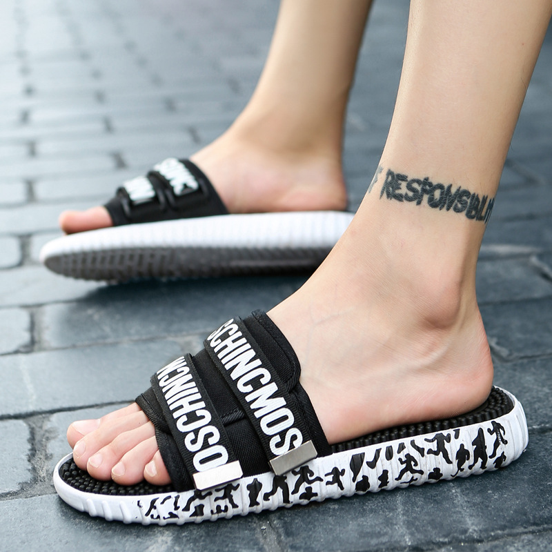 Summer leisure breathable beach shoes, sleeve shoes, men's exposed toes, new hollow flat, with non slip lovers sandals