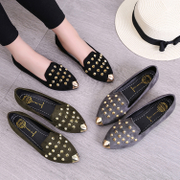 Spring and autumn season, the 2017 wave of the Korean version of the shallow mouth of the Swiss shoes shoes pointed female lazy bottom rivet students casual shoes