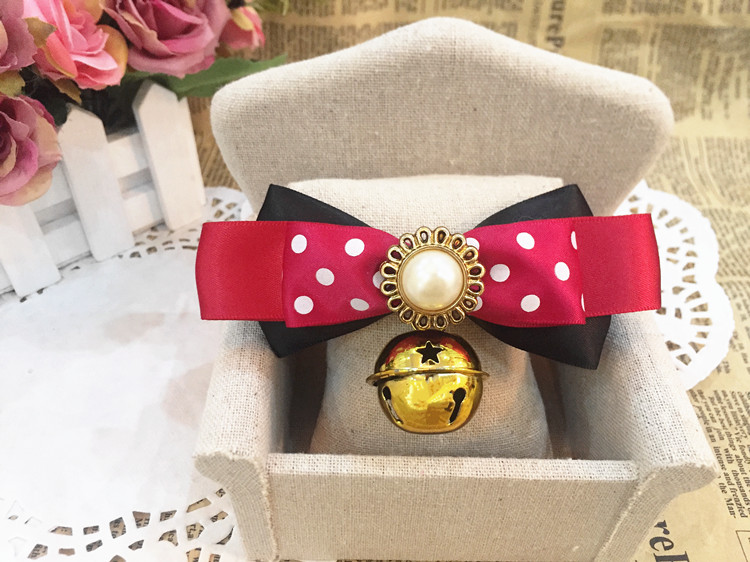 Puppy dog, cat with bells, bow tie, British style, pet bow tie Necklace