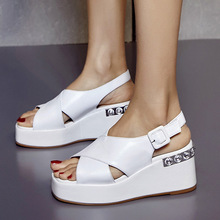 2017 new summer sandals leather diamond thick waterproof slope toe with white leisure shoes.