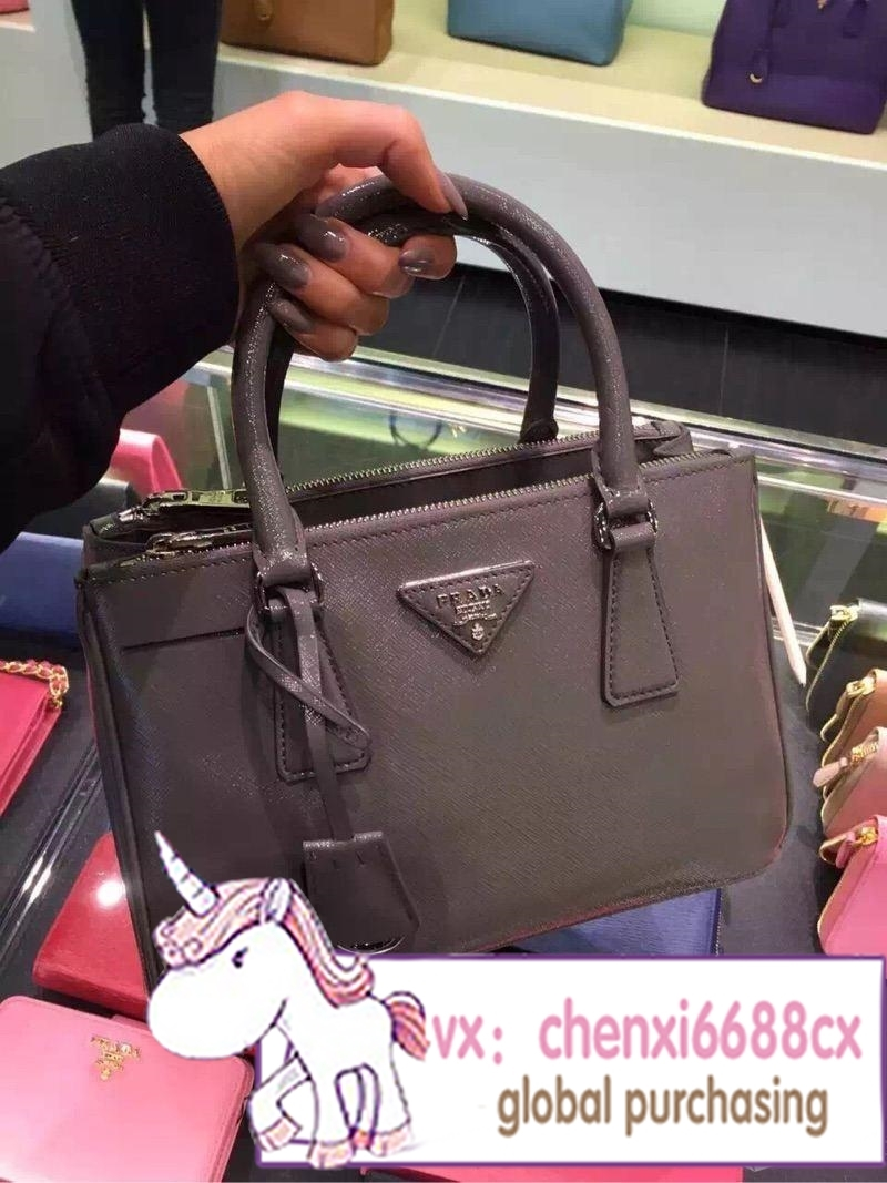 Classic killer overseas counters authentic Prada, the Prada bag female bag lady hand the bill of lading shoulder bag color more