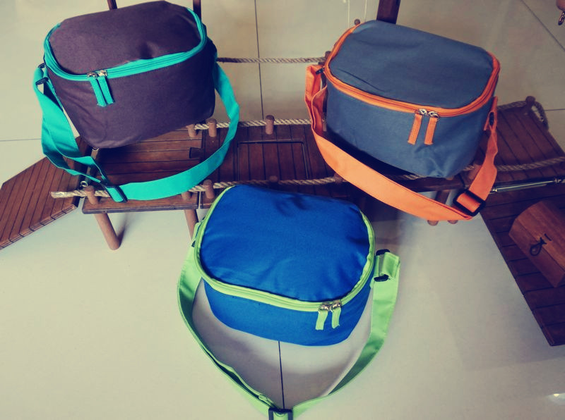 Three color shoulder ice bag bag lunch box board insulation Korea tail is of good quality