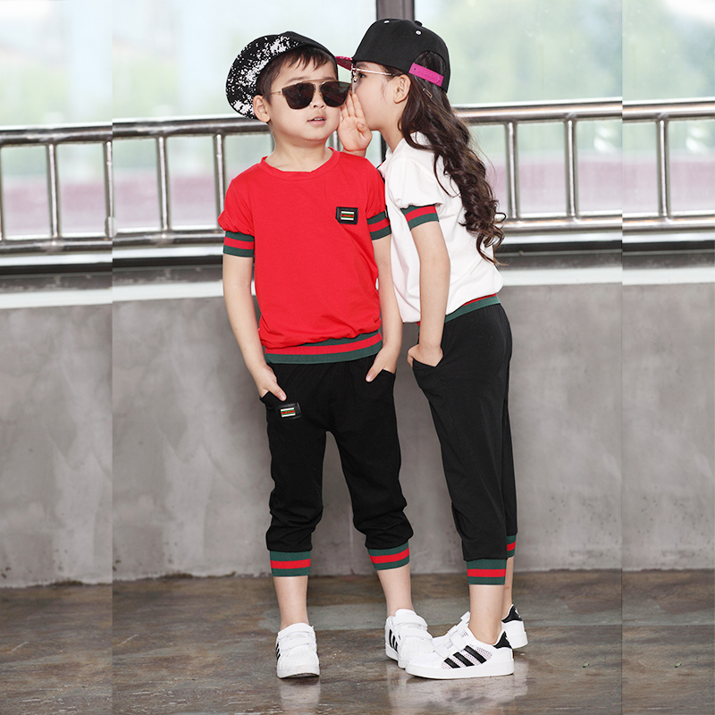 The child of 2017 new children girls and boys in short sleeved summer sport suit fashion leisure pants seven two