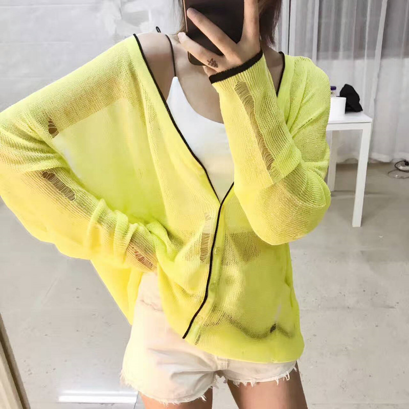 2017 summer new Korean V silk knit cardigan jacket shawl collar long sleeved hole sunscreen clothing thin woman