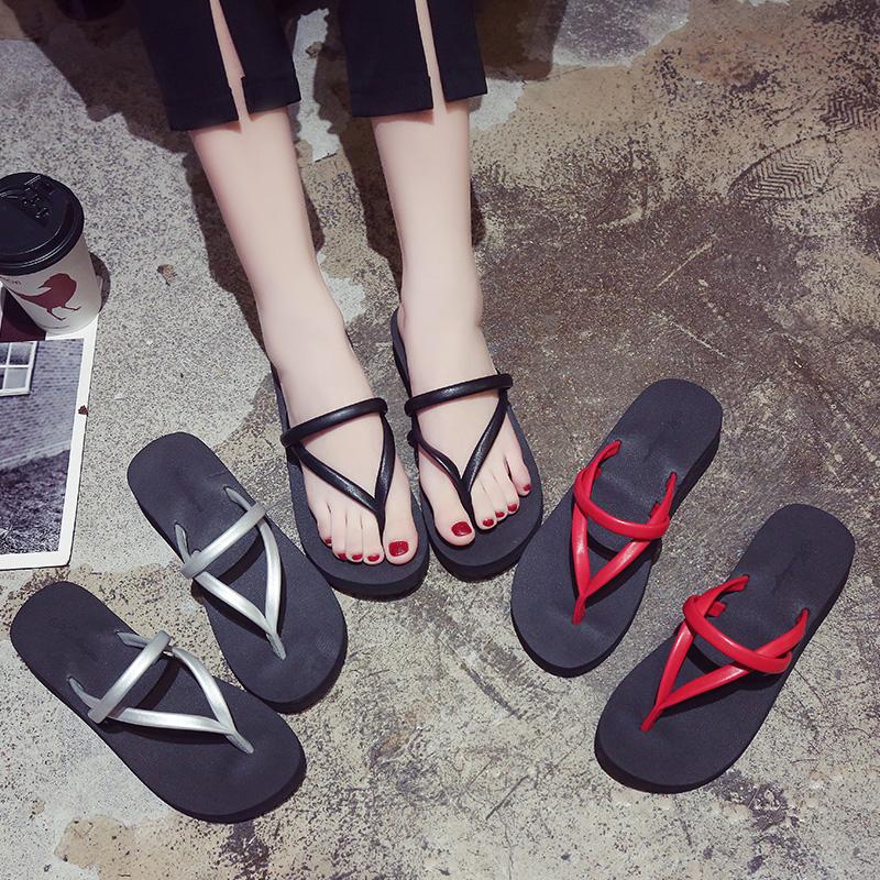 人字拖女夏时尚防滑外穿坡跟拖鞋个性夹脚海边沙滩鞋平跟学生凉拖