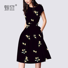 Glamorous fashion temperament printing black dress 2018 summer new short-sleeved round neck long section A dress