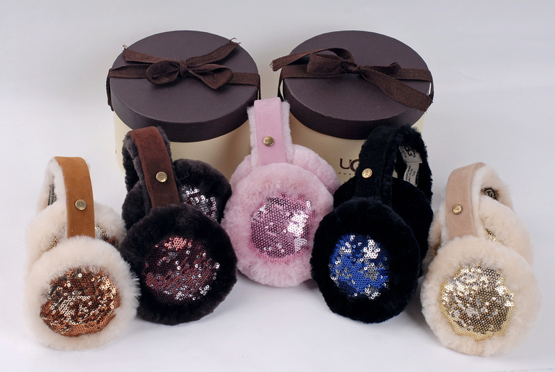 The quality goods bought UGG earmuffs sheep fur one couple winter headphones earmuffs Cylinder gift boxes