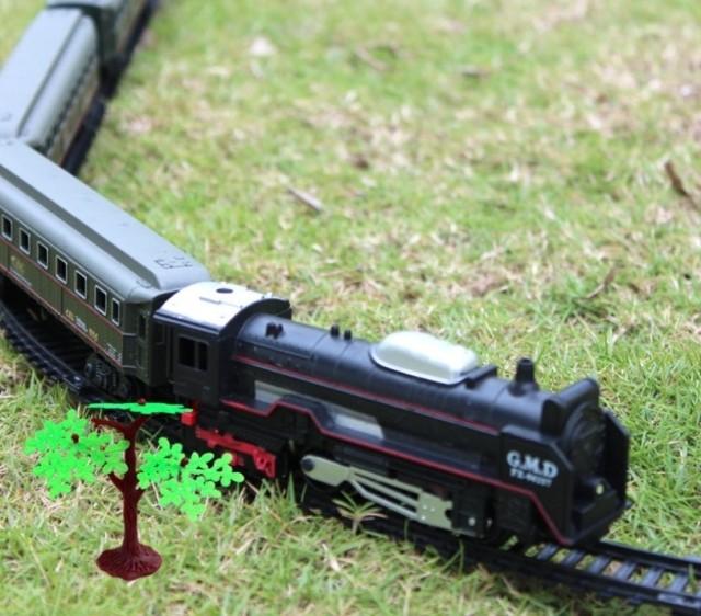 豪华古典版火车超长复古蒸汽机电动轨道小火车套装儿童益智玩具