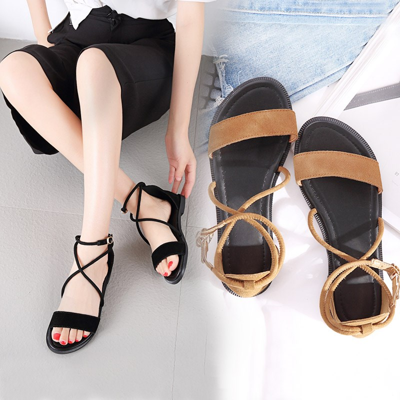 Flat sandals female in the summer of 2017 the new joker leather comfortable student contracted one word with bind Roman shoes big yards
