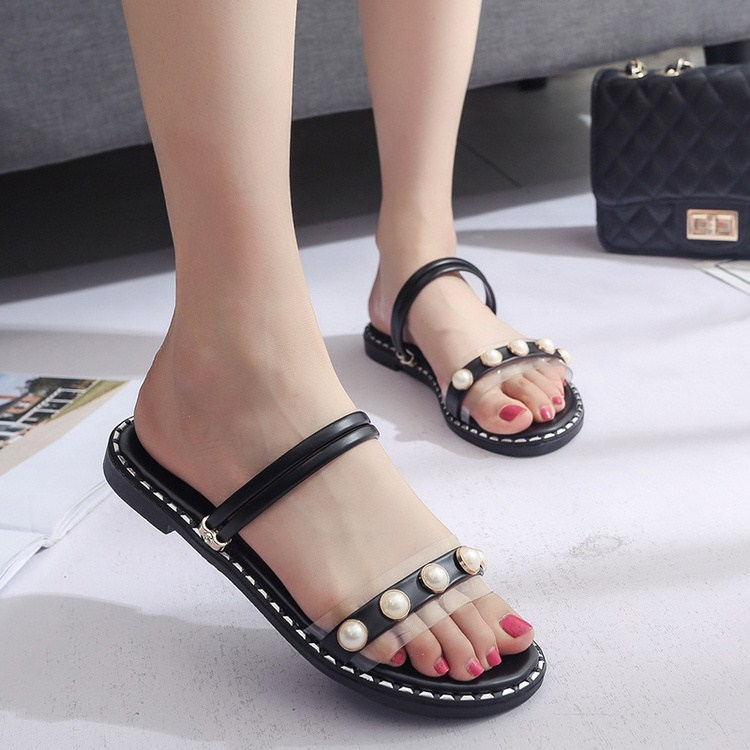 More than 2017 European and American stuffies female cool slippers sandals stripe fine diamond leisure beef tendon bottom skid