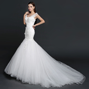 Korean bride wedding dress new slim package hip fish tail sexy bra Halter Lace strap section
