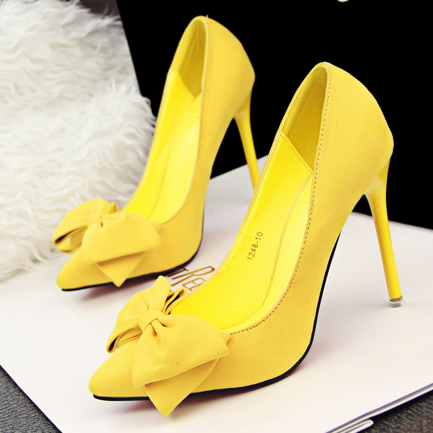 Korean version of the new 2015 yellow red sweet stilettos-tipped suede bow women's shoes