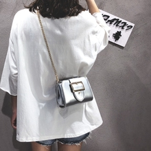 Ins super fire summer bag female 2018 new wave Korean version of the wild Messenger bag girl chic chain small square package