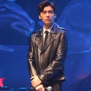 Li Yifeng with clothes Metrosexual motorcycle leather and PU leather jacket lapel type slim Korean youth coat