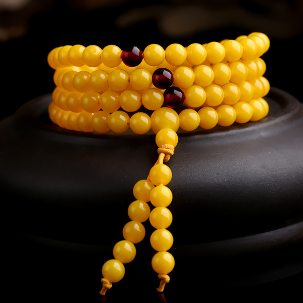 Near the end of one yuan auction # chicken oil yellow amber beeswax hand string bead bracelet 108 beads of men and women