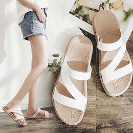 夏季一字拖厚底学生拖鞋女防滑沙滩鞋时尚平底女士凉拖鞋外穿坡跟