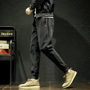 The new trend of Korean winter men's trousers and cashmere upon sports pants male small corduroy pants Haren footlights