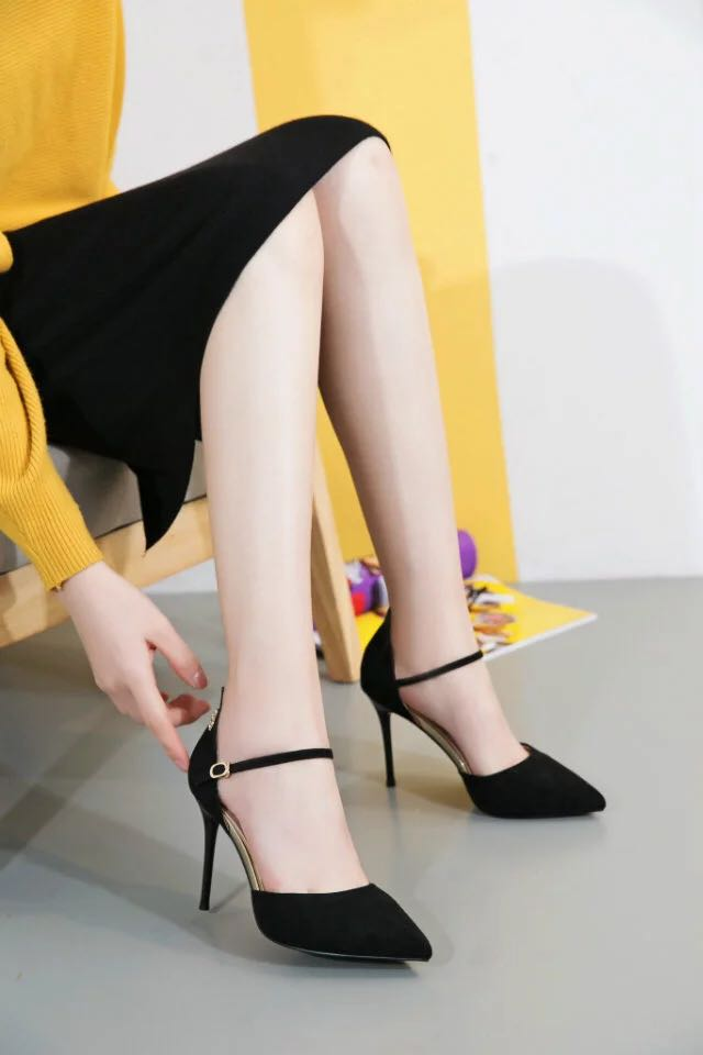 In 2017 the new brazing golden bird sexy suede hollow pointed suede sandals high-heeled shoes 1218-2 mail