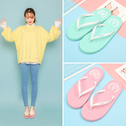 The new version of the Korean version of drag female fashion slippers, men and women summer pinch feet, non slip flat with the beach cool mop