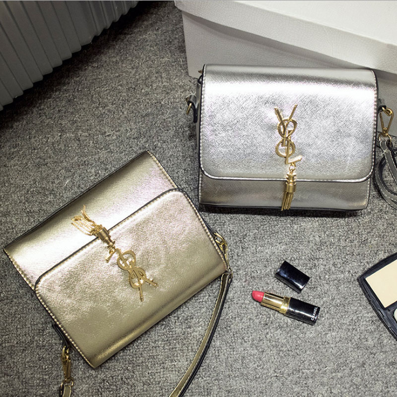 Small package inclined shoulder bag Female bag restoring ancient ways is han edition contracted tide joker single shoulder bag small bag silver gold in South Korea
