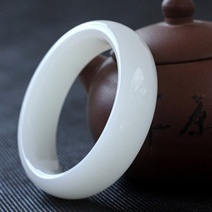 Near the end of one yuan auction Kunlun jade bracelets bracelets with white marble