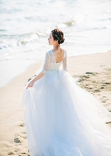 In 2017, the new brigade patted the lace in the sleeve tail, the Korean version wedding dress, the fairy white elegant
