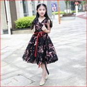 The new studio theme elegant long trailing dress on photo parent-child outfit wedding photography children's costumes