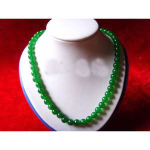 A dollar auction is coming to an end boutique 8mm Jade Bead Necklace