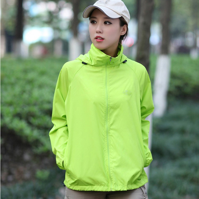 The spring and autumn outdoor lovers of anti UV skin coat and windproof breathable sunscreen clothing size in summer