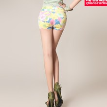 Ravelli clothes pants shorts shorts new female female summer floral shorts slim slim short pants thin elastic.