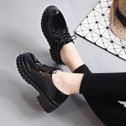In the autumn of 2017 British style shoes leather shoes retro lace round thick bottom Korean students all-match shoes