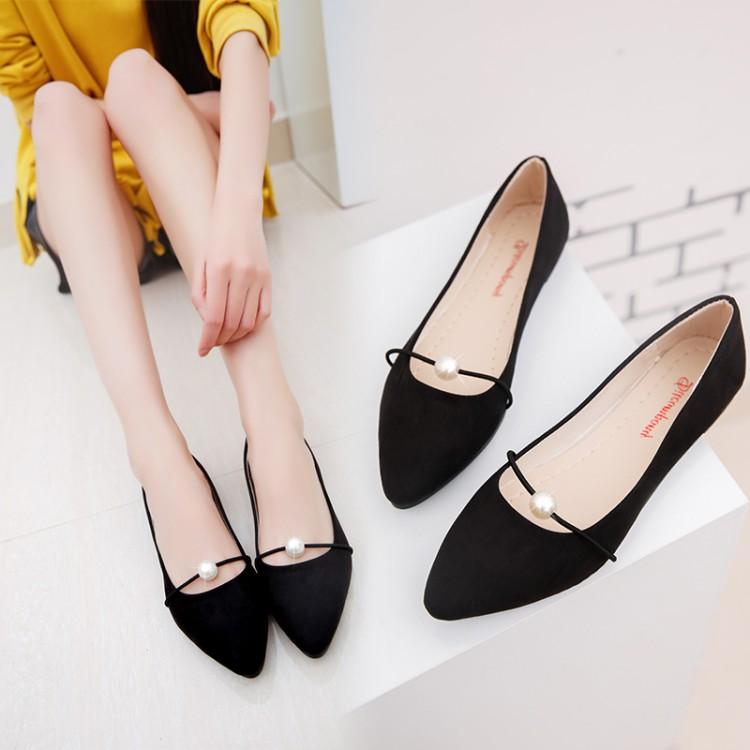 Korean 2017 spring summer new pointed shoes with flat Pearl all-match student shoes shoes Doug shoes